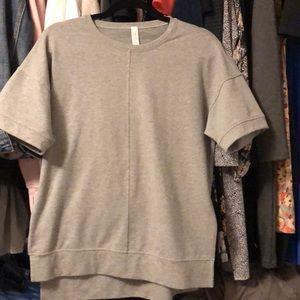 Short sleeve sweatshirt size 6